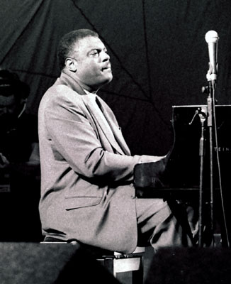 Mulgrew Miller 1202814 Brecon International Jazz Festival, Brecon, Powys, Wales. August 2002. Images of Jazz