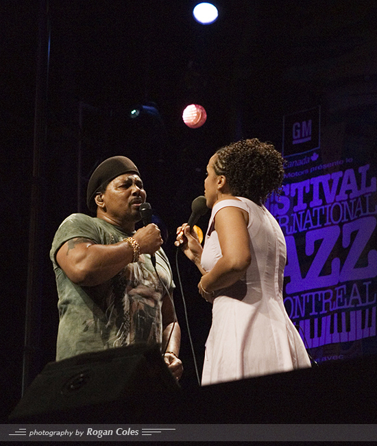 Aaron Neville of the Neville Brothers at the 2006 Montreal International Jazz Festival