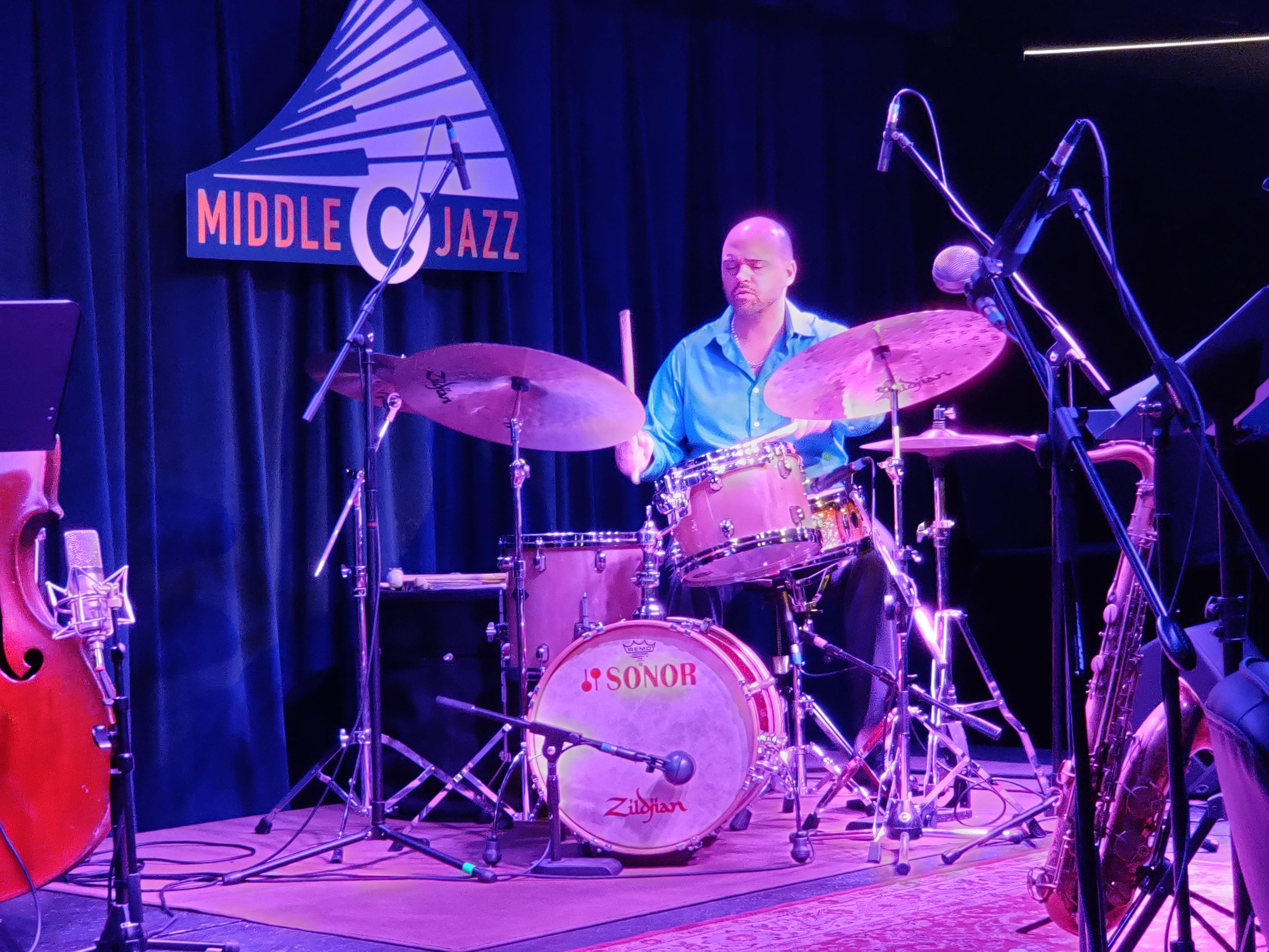 Joe Barna at Middle C Jazz