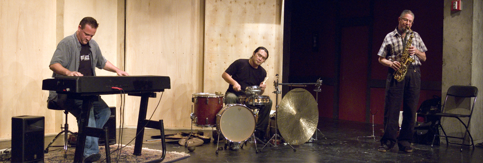 Gary Hassay, Dan Dechellis and Tatsuya Nakatani - The Living Lab at Living Theater 2007