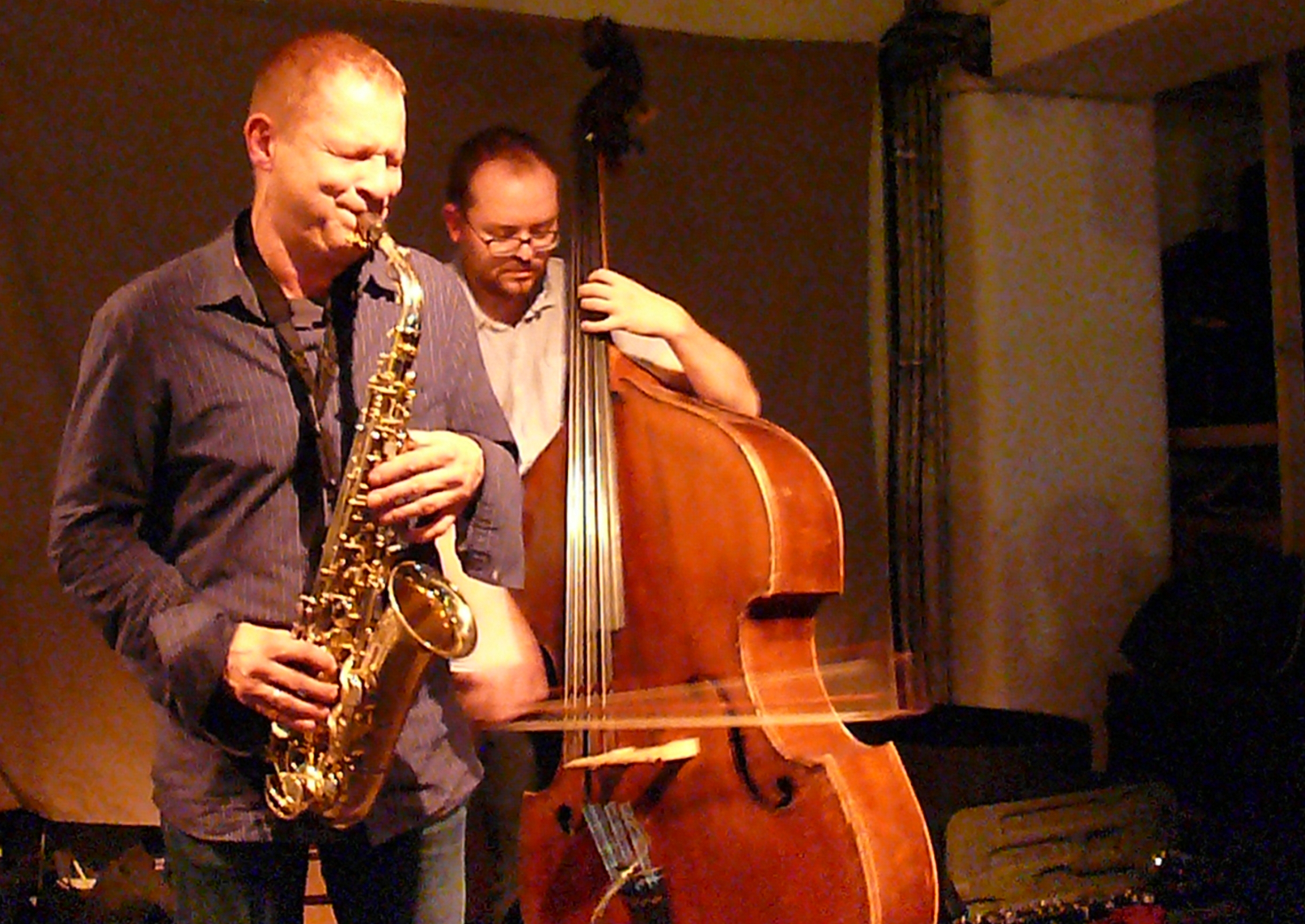 Mikolaj Trzaska and Olie Brice at Cafe Oto, London in October 2012