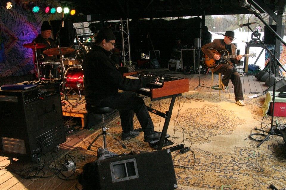 Bob Niederriter Trio at Nelson Ledges Quarry Parks , Gorry at the Quarry Festival