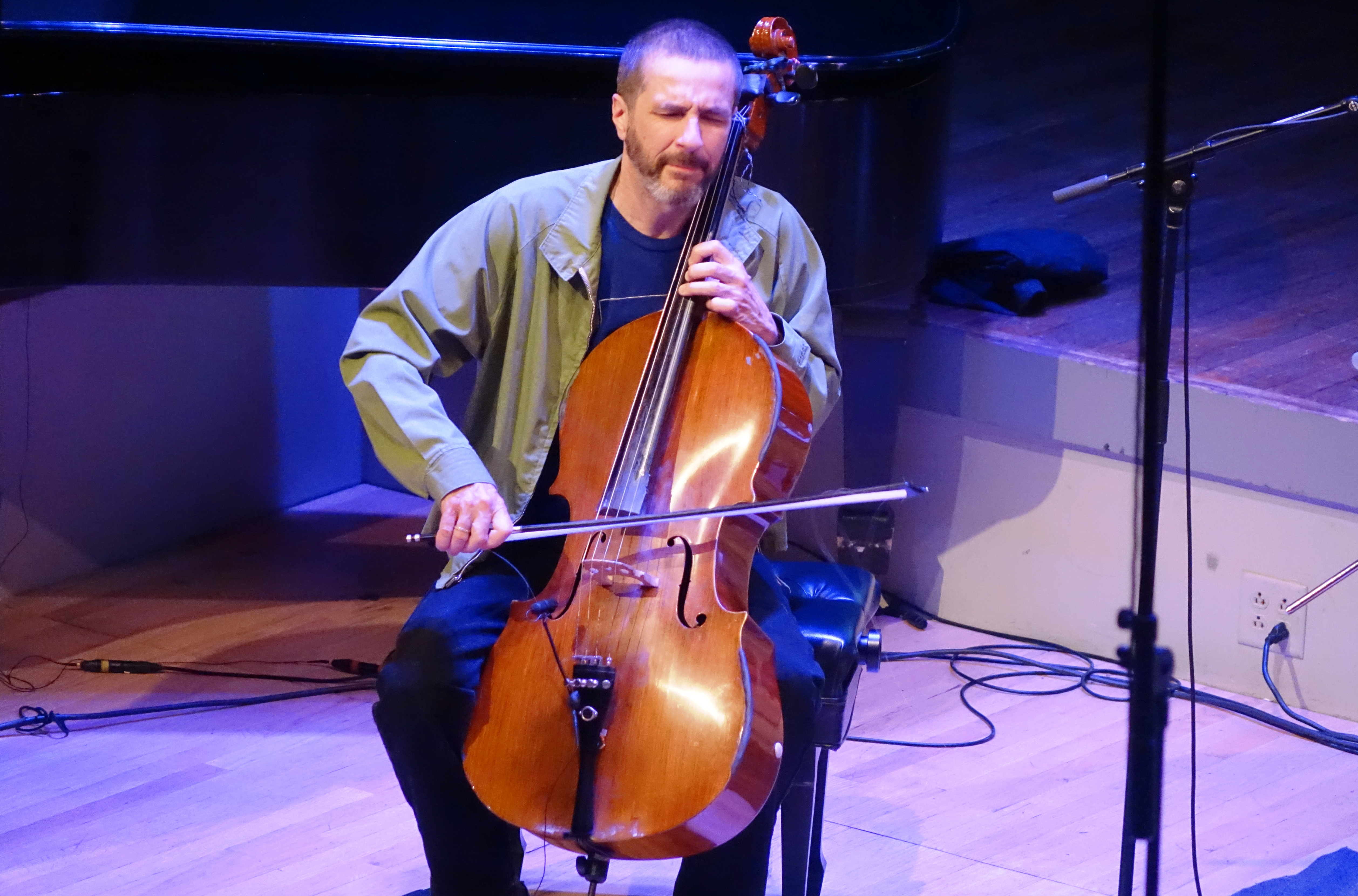 Fred Lonberg-Holm at the Vision Festival in Roulette, Brooklyn in June 2019