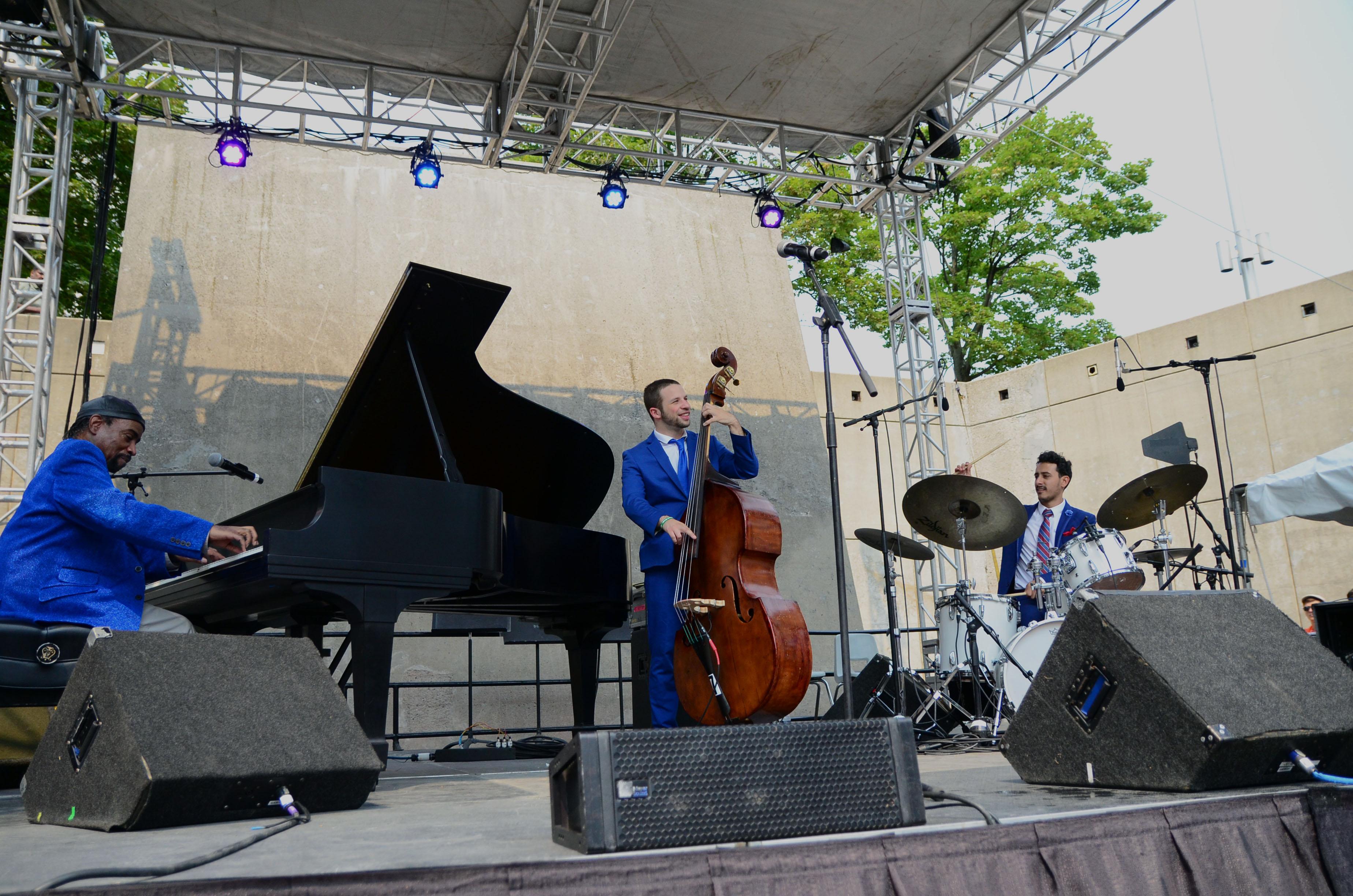 The Johnny O'Neal Trio