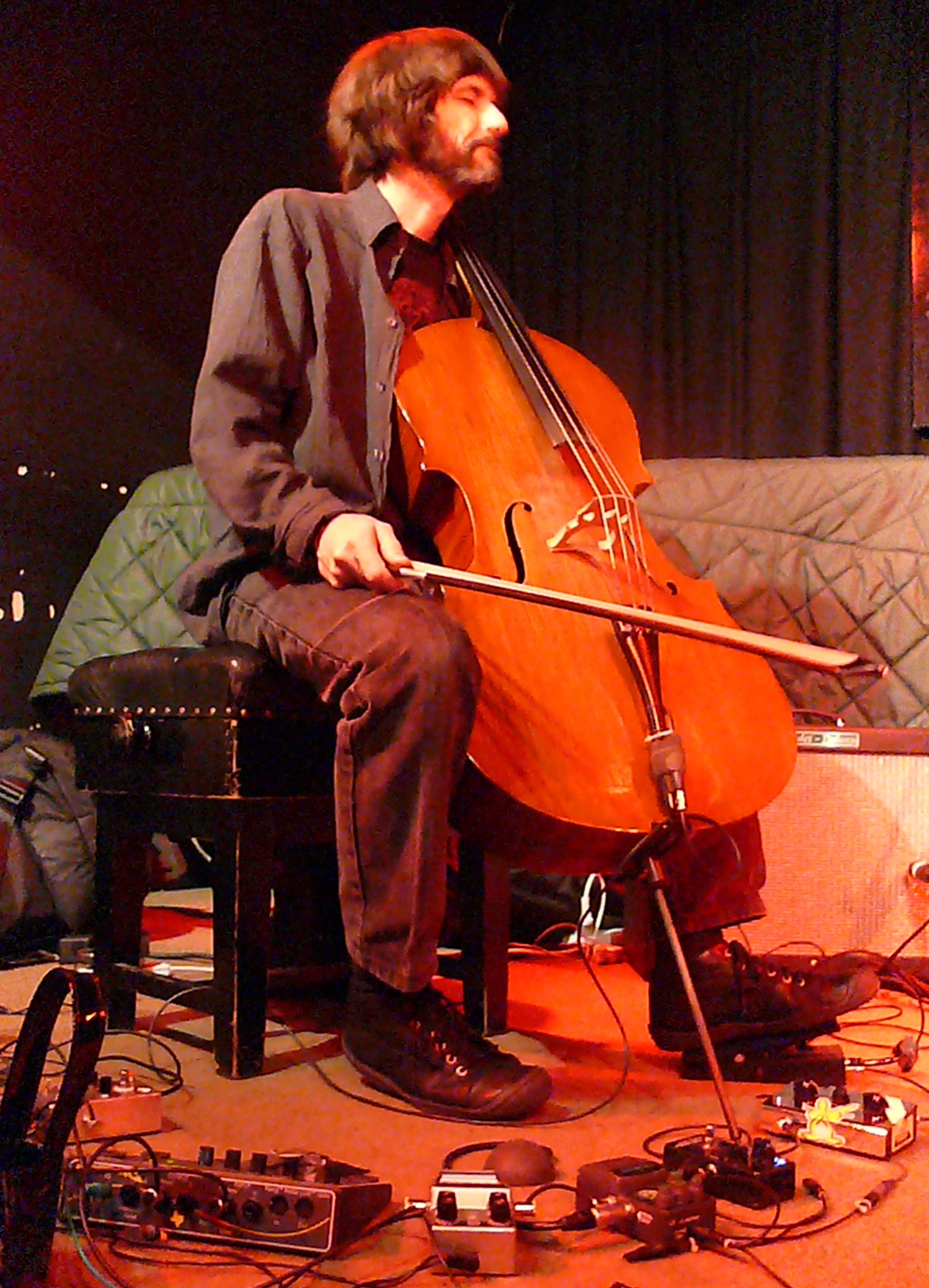 Fred Lonberg-Holm at the Vortex, London in October 2010