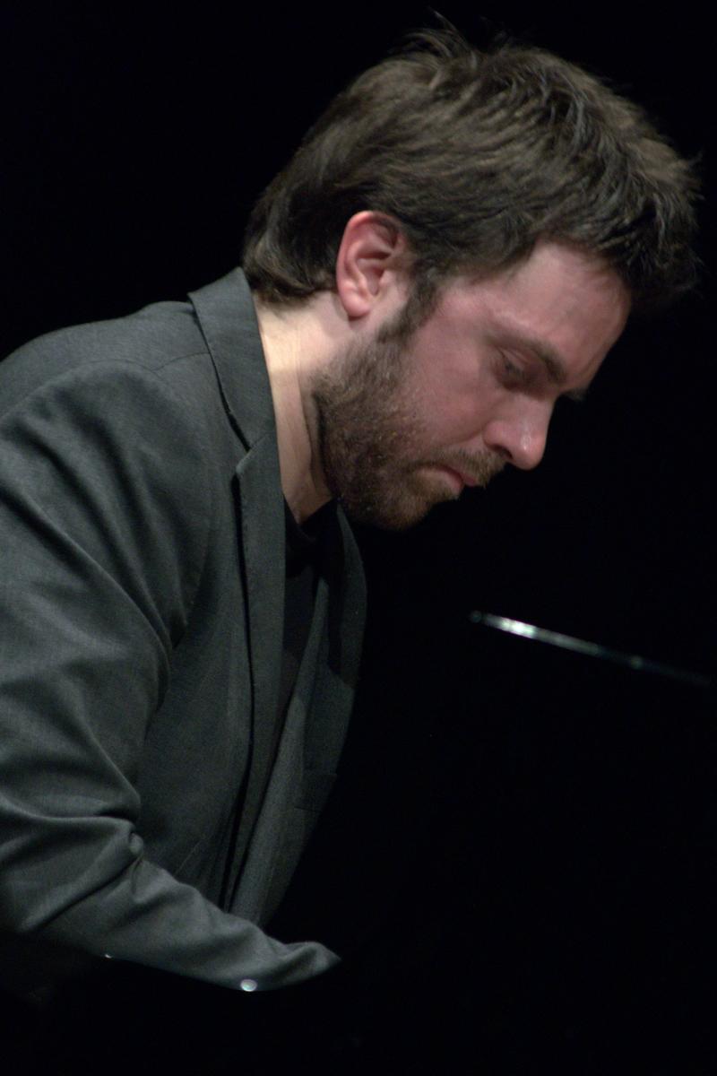 Julian oliver mazzariello, crossroads 20/04/2013, teatro comunale, russi (ravenna), italy