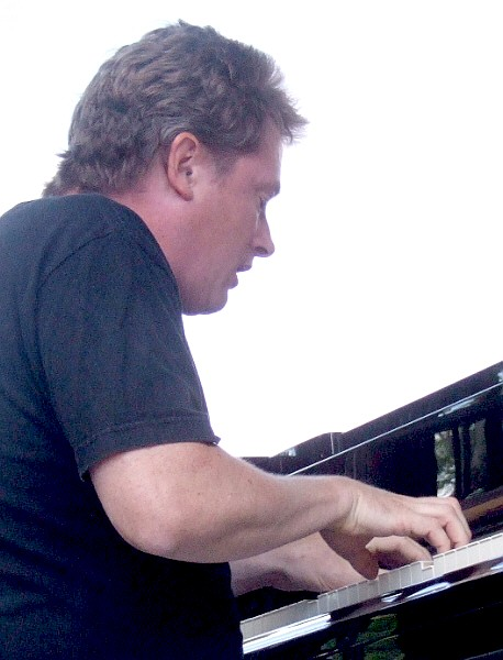 Bill Carrothers Co-Leading His Quartet at 2011 Chicago Jazz Festival
