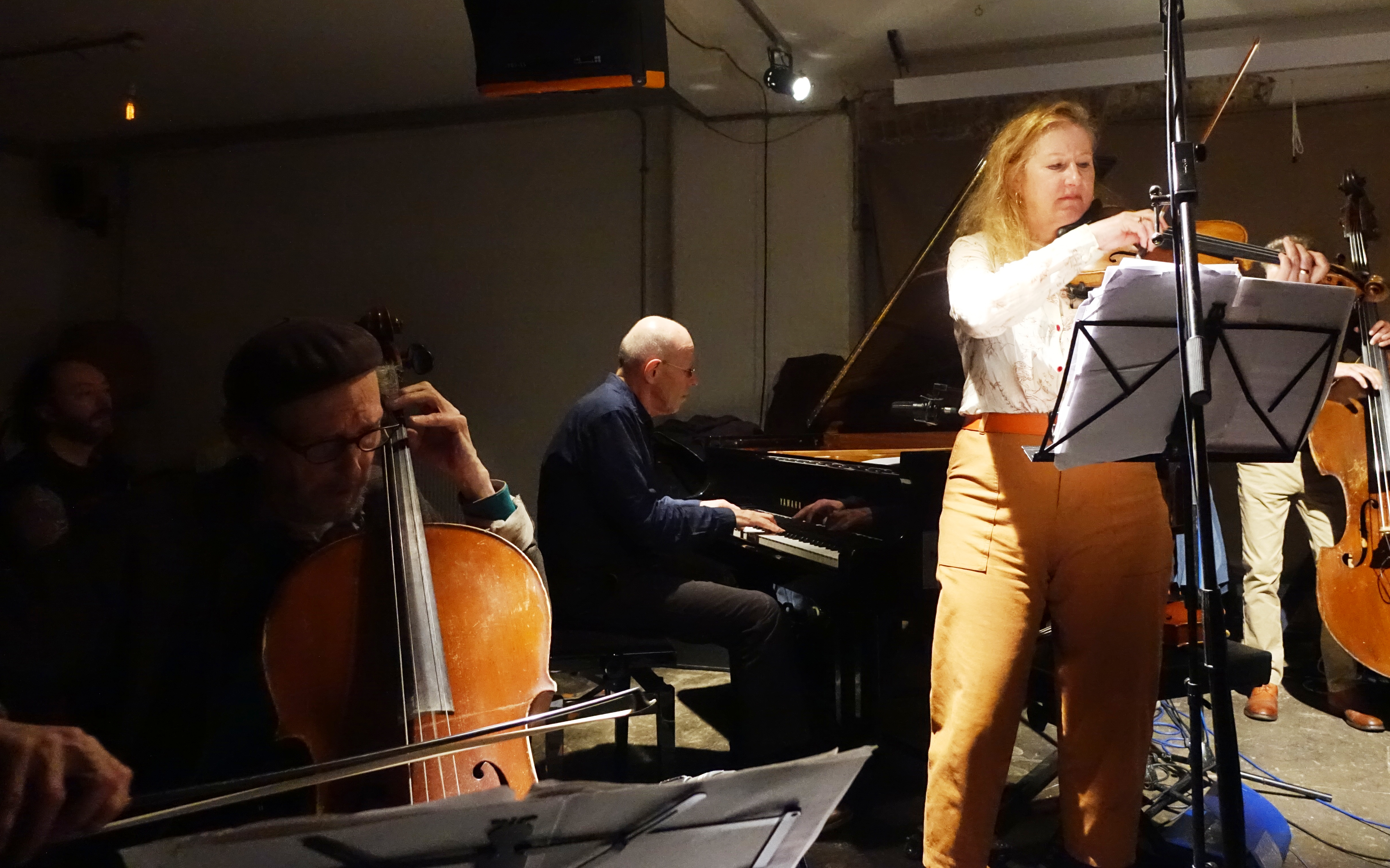 Tristan Honsinger, Guus Janssen and Mary Oliver at Cafe Oto, London in December 2018