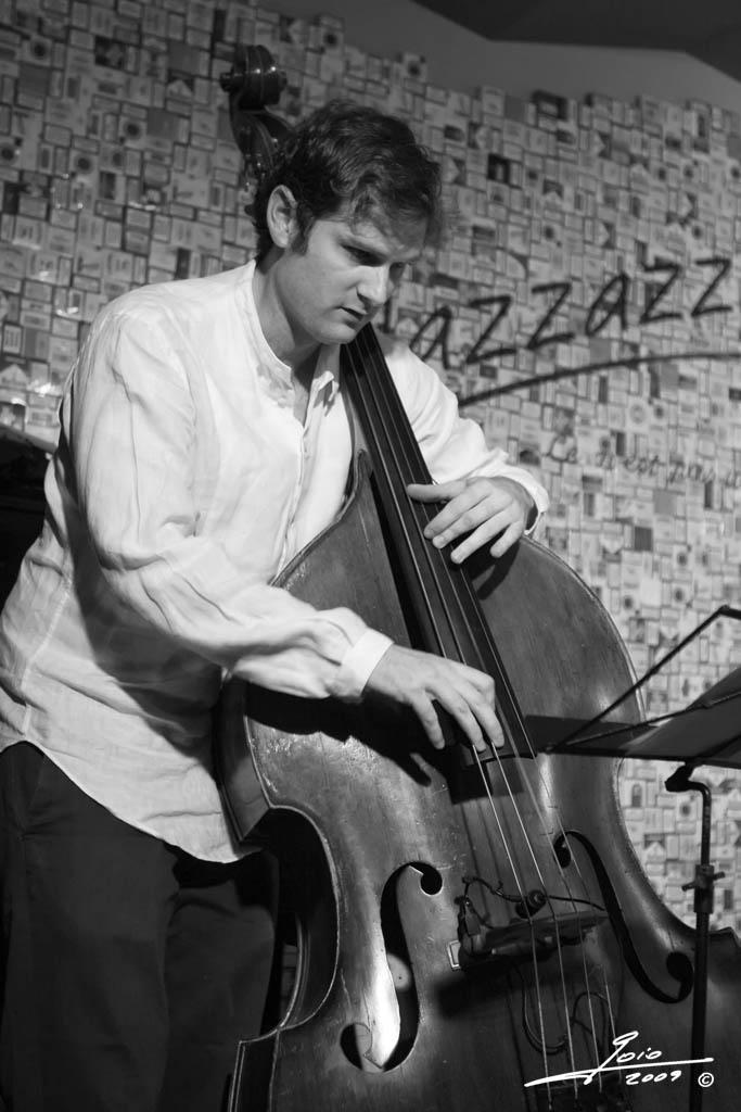 Edward Perez - (Javier Vercher Trio)