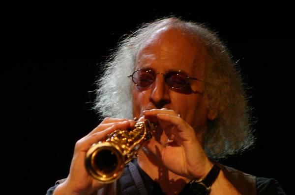 """Larry Ochs with """"Rova Saxophone Quartet"""" at Maison de la Radio, RSR, Espace 2, Lausanne, Switzerland, 2004"""