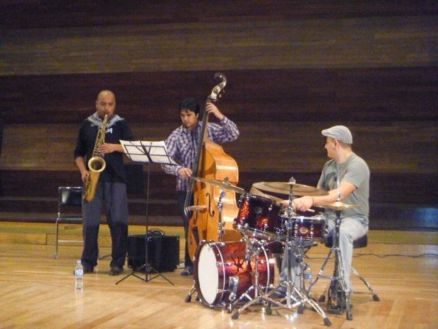 Cristian Mendoza Trio