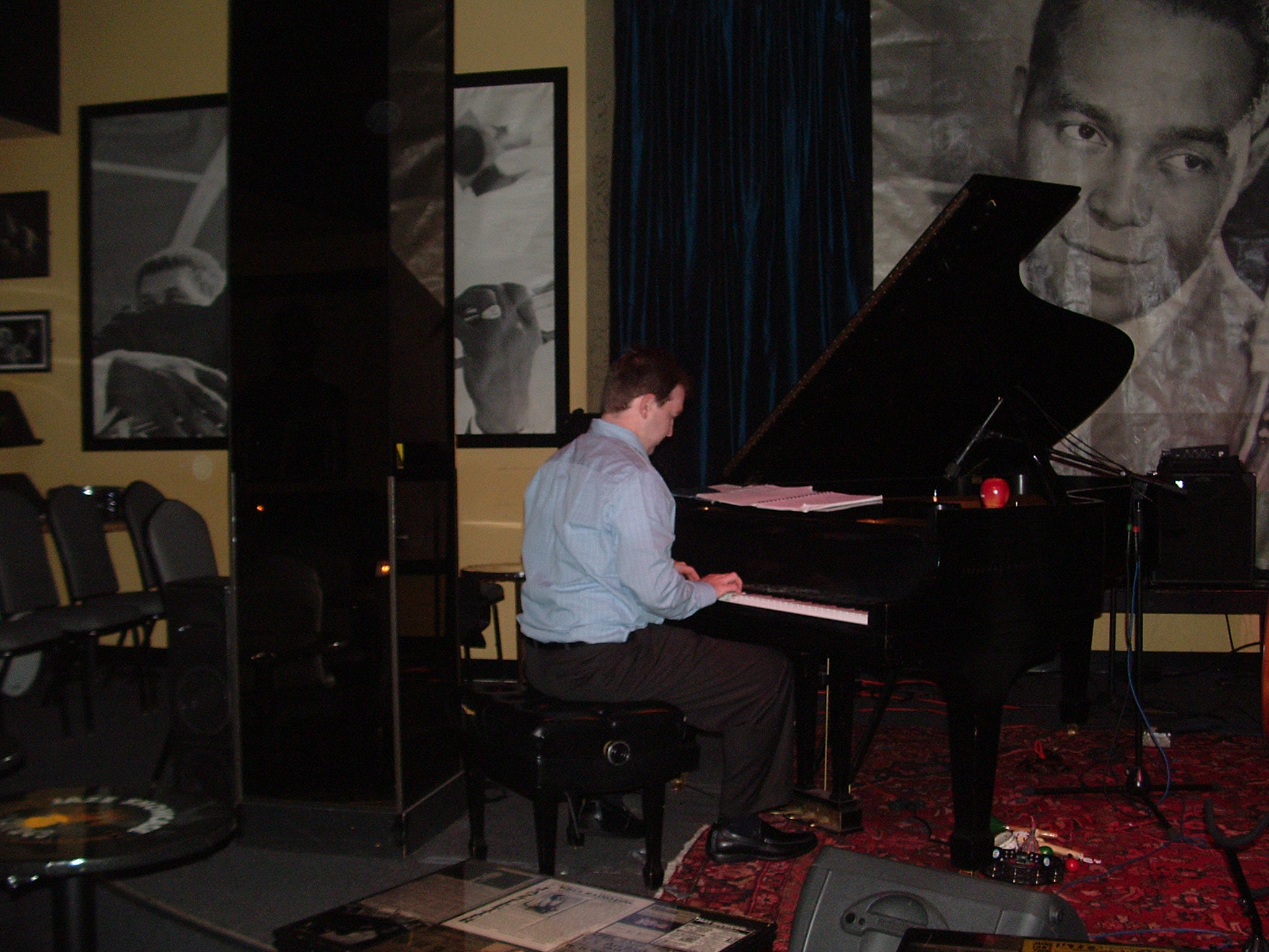 Warming up at the jazz showcase-chicago