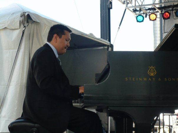 Donald Vega