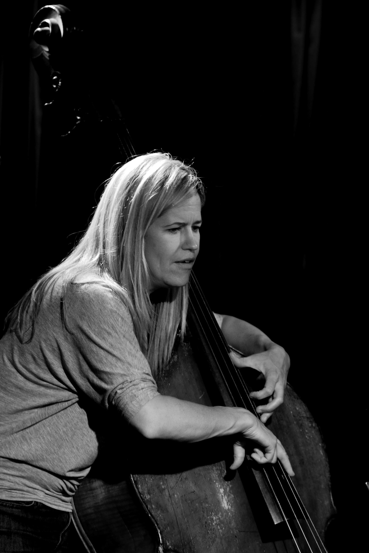 Kristin Korb (Bass & Vokal) on Jazzhus Montmartre, Copenhagen, Denmark
