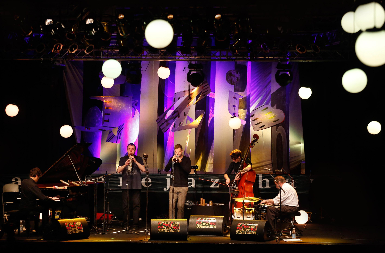 Anemone quintet