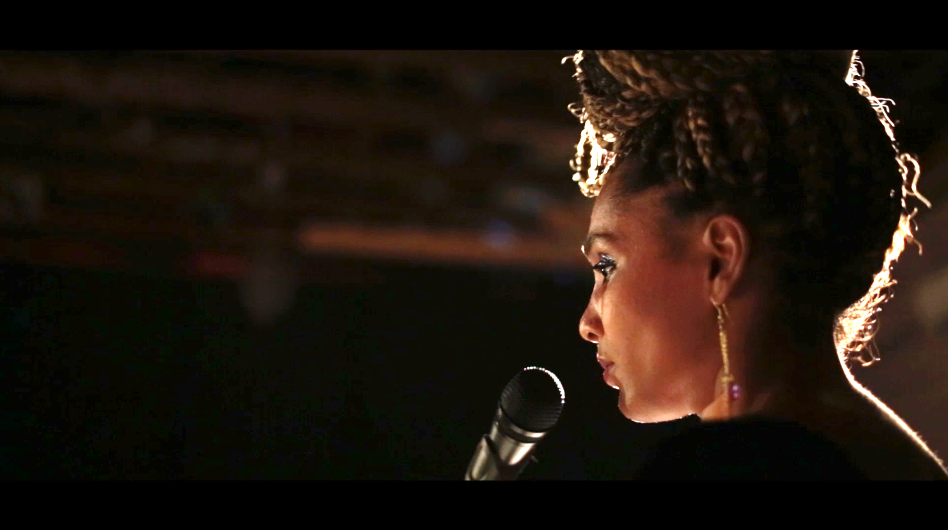 Iris P Live at the Art Klub in New Orleans