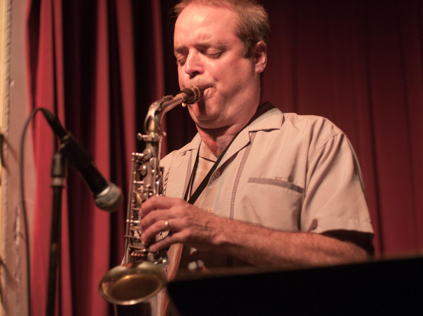 Andrew Beals with the John Farnsworth Quintet at Smoke Jazz Club