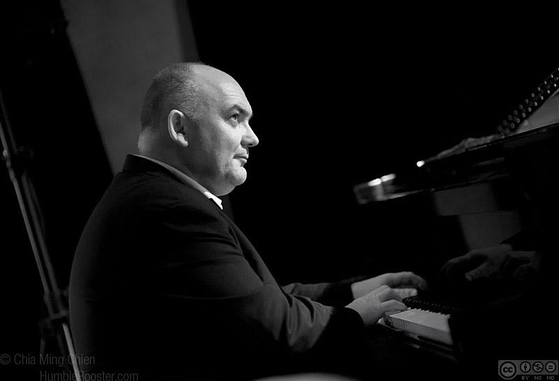 James Morrison on Piano, Singapore