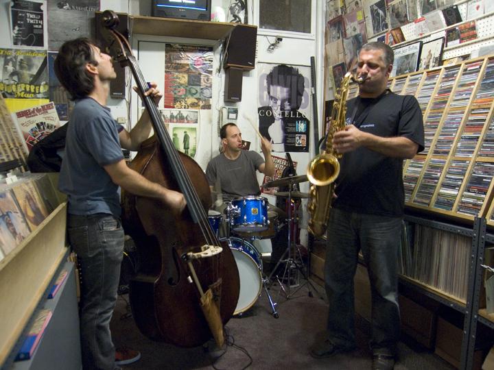 Rodrigo Amado Trio with Adam Lane and Harris Eisenstadt - DMG 2007