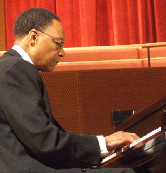 Ramsey Lewis Leading His Trio at 2010 Chicago Jazz Festival