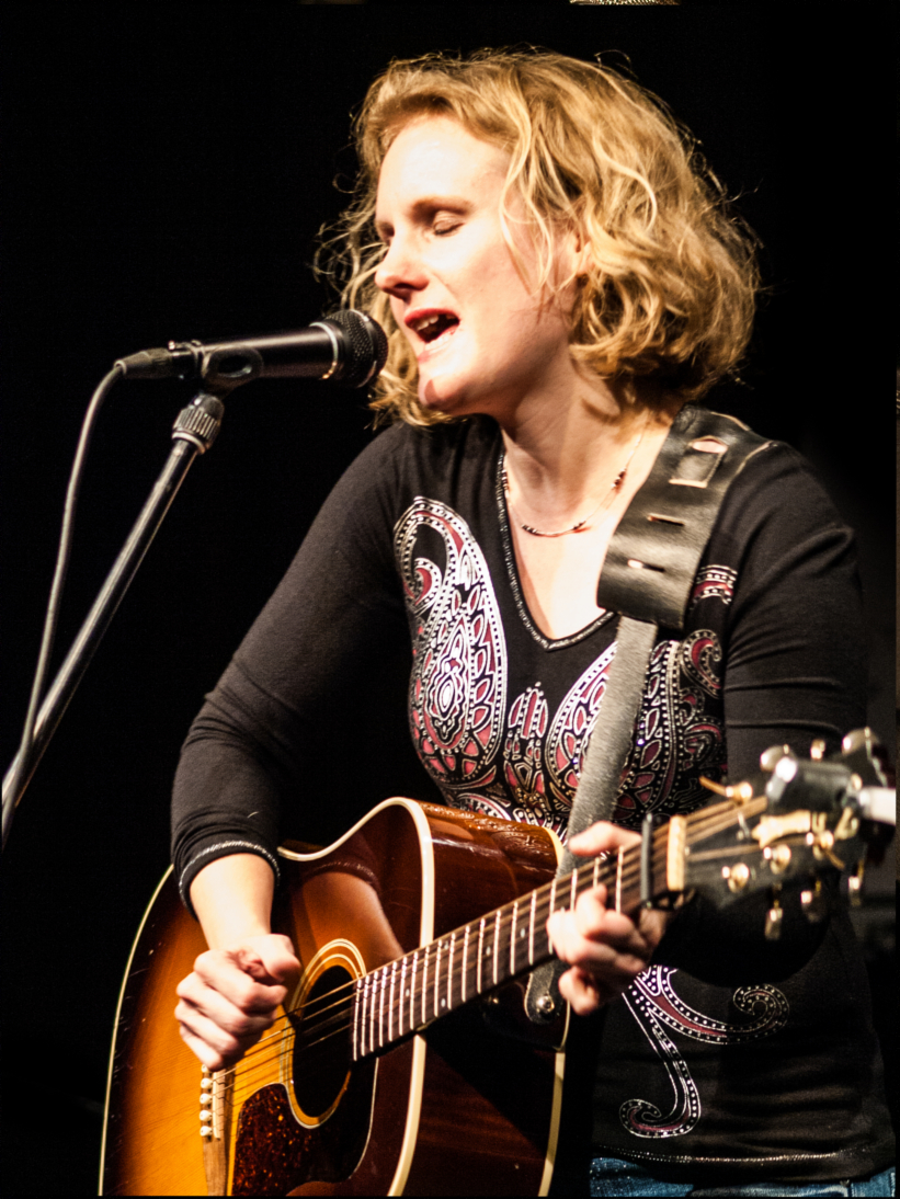 Claudia Vorbach solo, Singer-Songwriter Contest