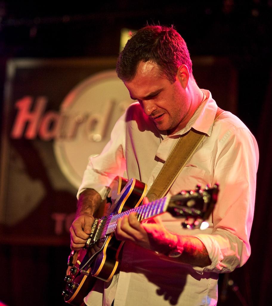Matthew Stevens at the Hard Rock Cafe, Toronto Jazz Festival 2010