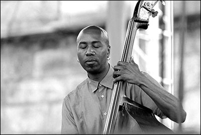Lonnie Plaxico<br>w/Cassandra Wilson<br>2003 JVC Jazz Festival<br>in Newport R.I.