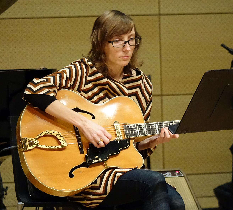 Mary Halvorson at NYC Winter JazzFest 2016