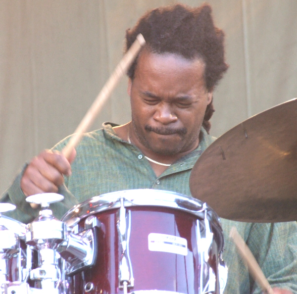 Quentin Baxter with Rene Marie High Maintenance Quartet at 2010 Chicago Jazz Festival
