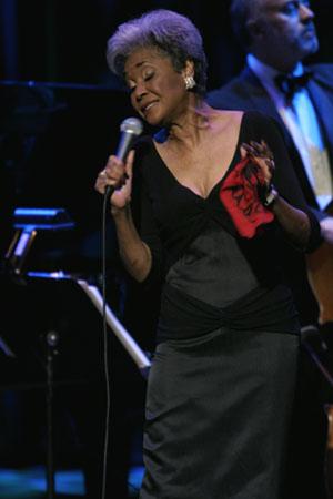 Nancy Wilson, Masonic Auditorium, 11/8/03.