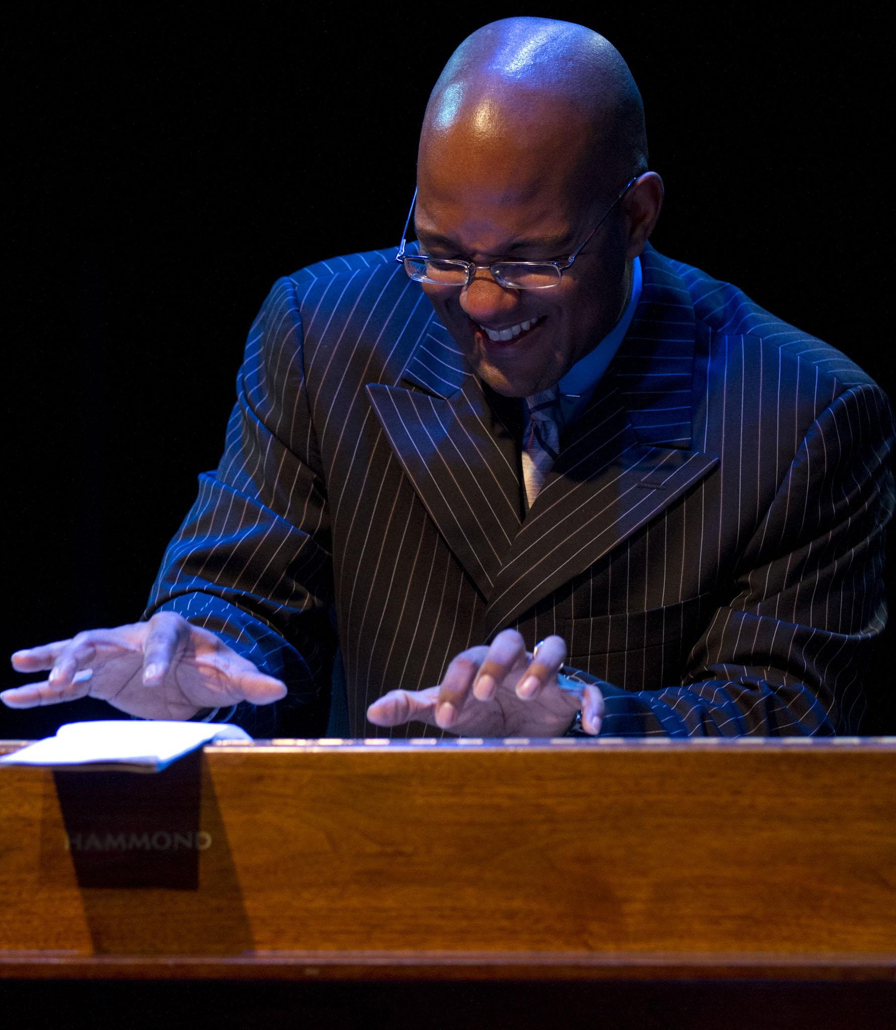 Gerard Gibbs (James Carter Organ Trio)