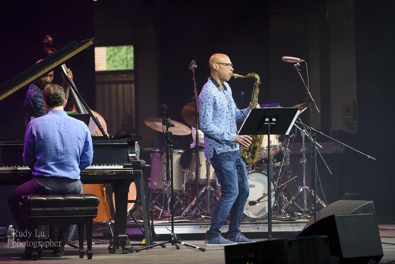 Joshua Redman With His Quartet