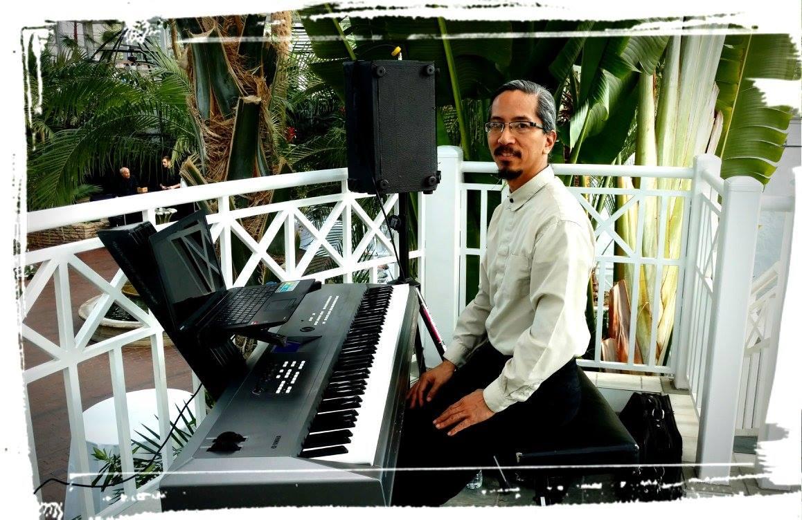 Rick Soriano - solo piano