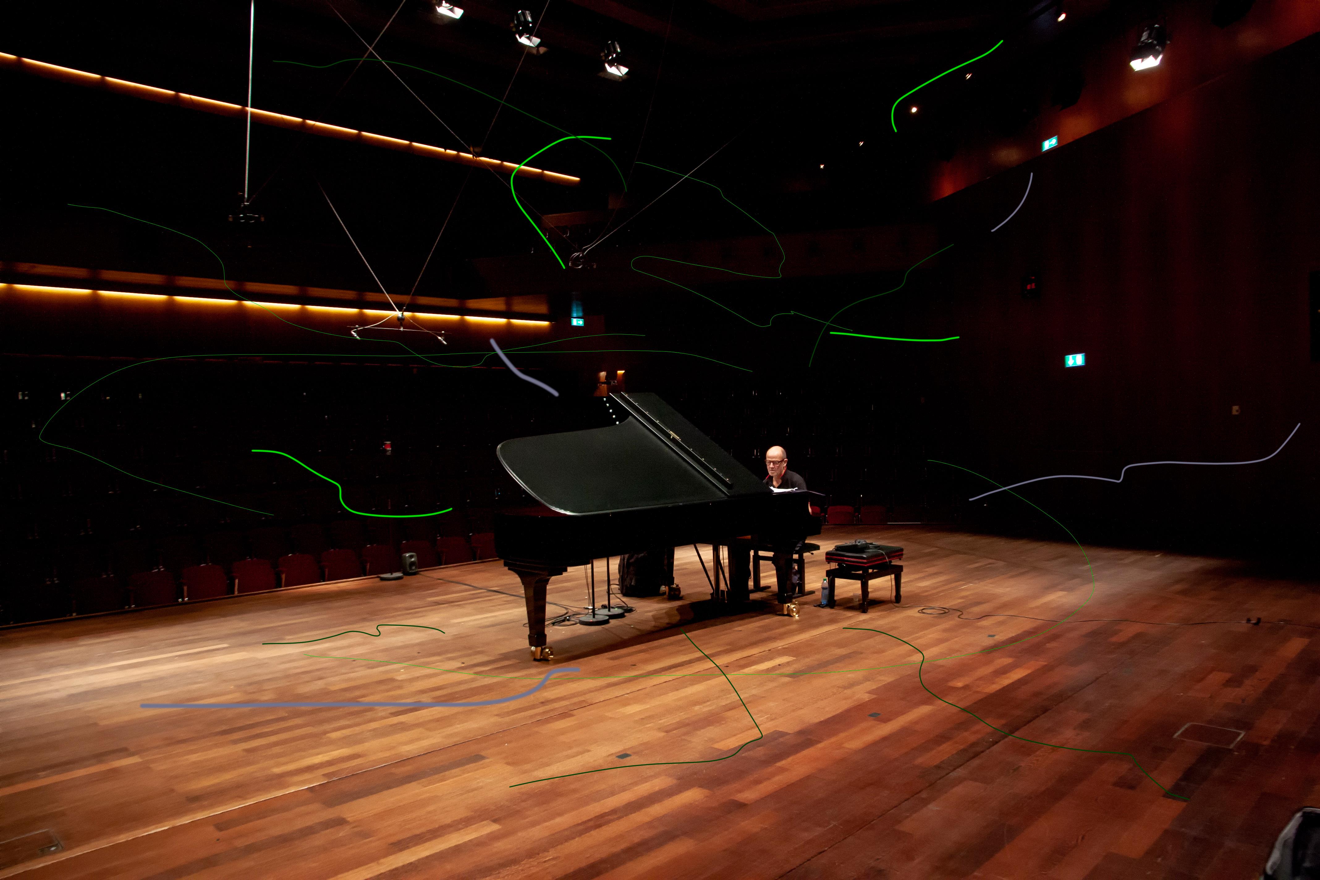 Jon Balke in studio in Lugano