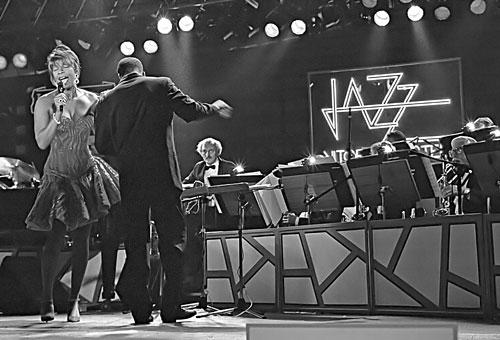 Natalie Cole & Umo Jazz Orchestra / Vitoria 1994