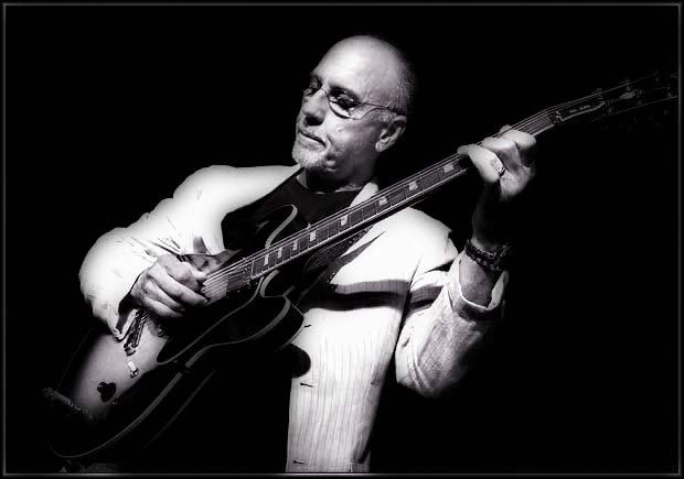 Larry Carlton Revisits Sounds of Philadelphia