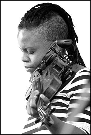 Regina Carter<br>2004 JVC Jazz Festival in Newport R.I.