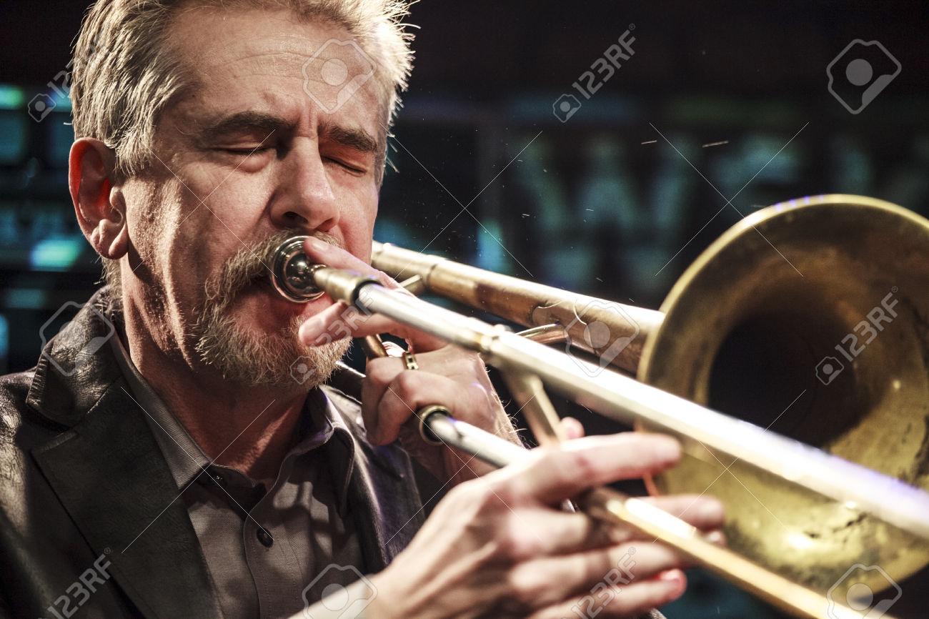 Steve Swell during concert
