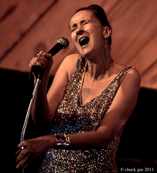 Tessa Souter Performing at the Douglas Beach House