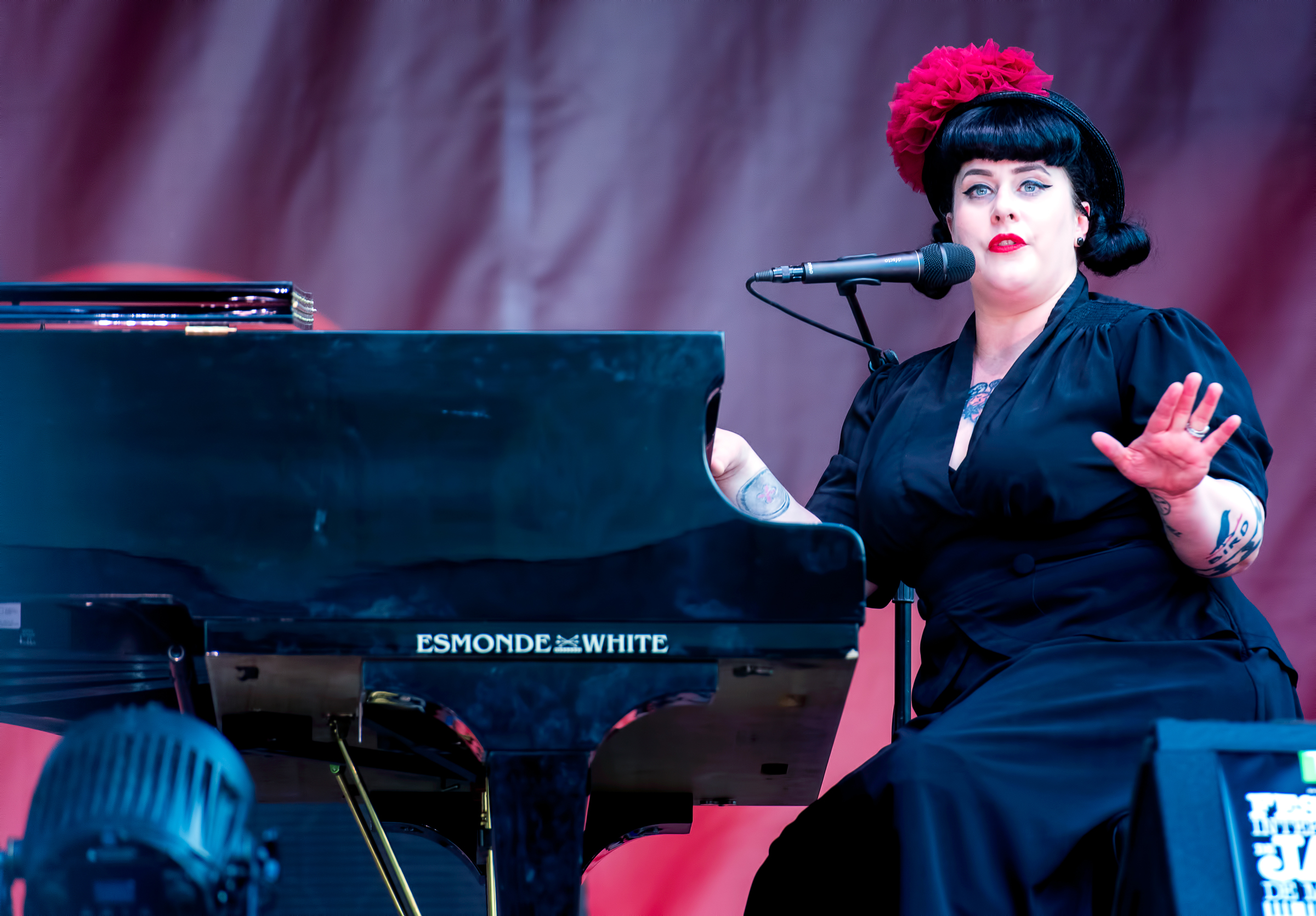 Davina Lozier With Davina And The Vagabonds At The Montreal International Jazz Festival 2018
