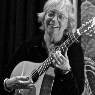 Gina Leishman, mandola