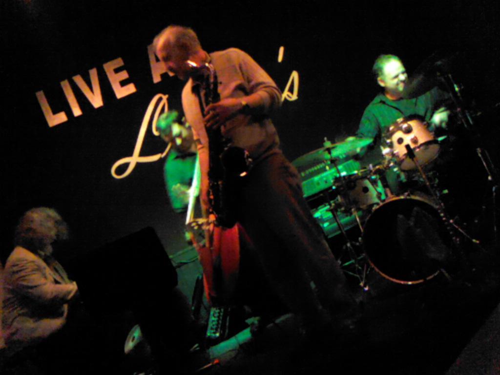 Live jazz gig at lulus