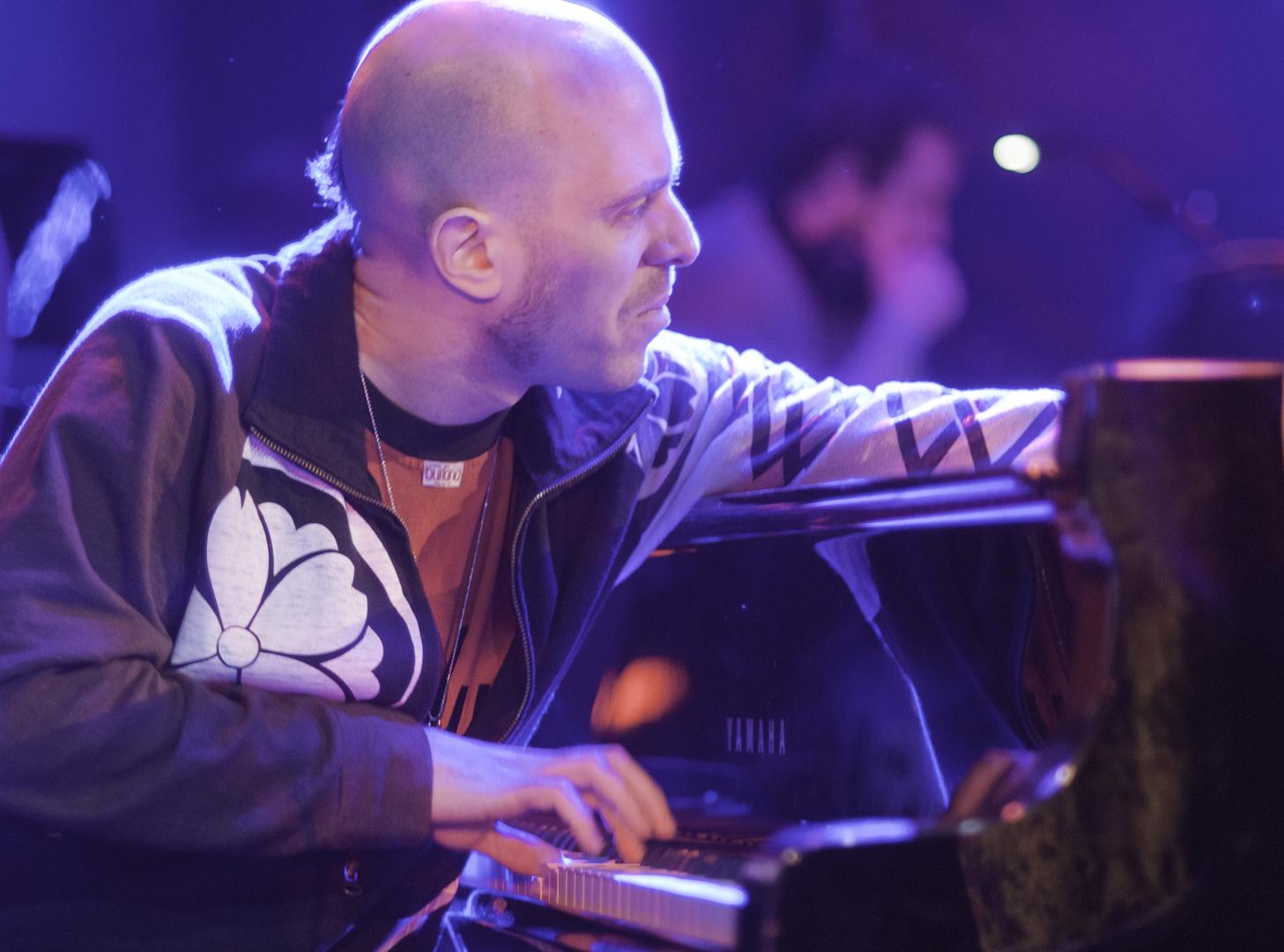 Jason Lindner with the Anat Cohen Quartet