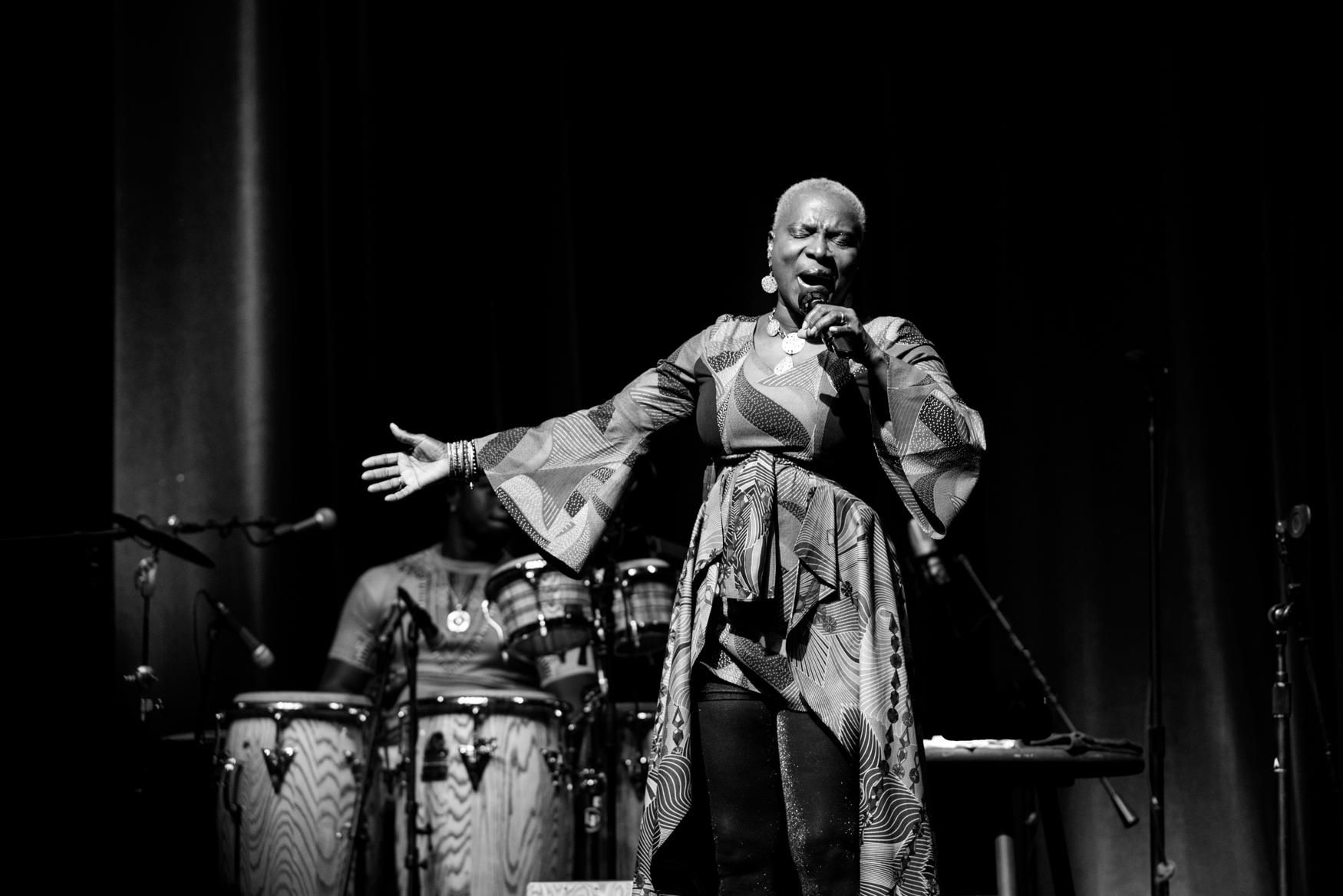 Angelique Kidjo, Alys Stephens PAC