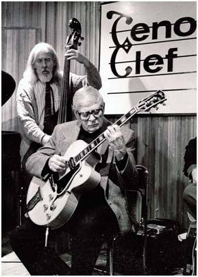 Mundell Lowe 0760321 Tenor Clef, London, 1993. Images of Jazz