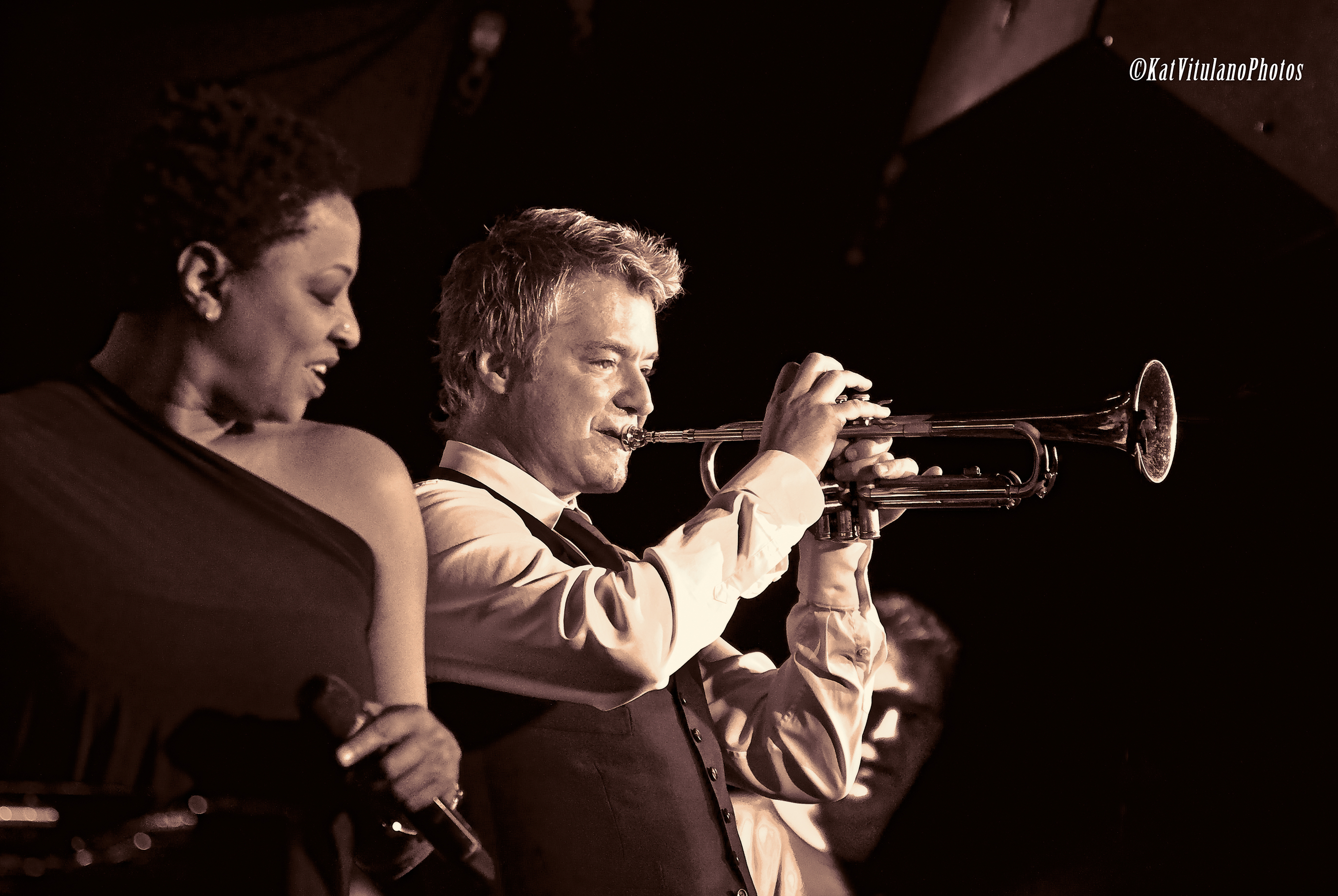 Chris Botti Performs w/ Lisa Fisher @The Blue Note NYC
