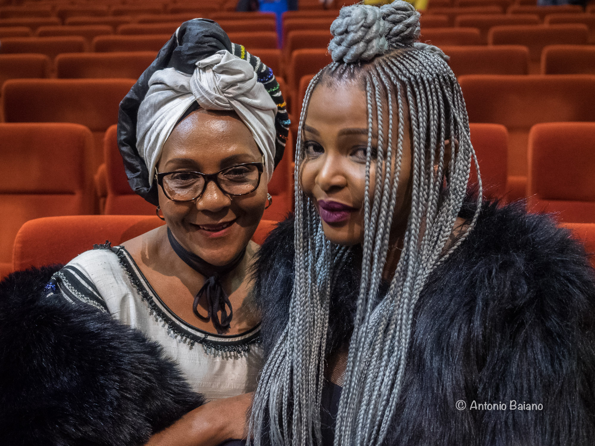 Ndileka Mandela and Simphiwe Dana