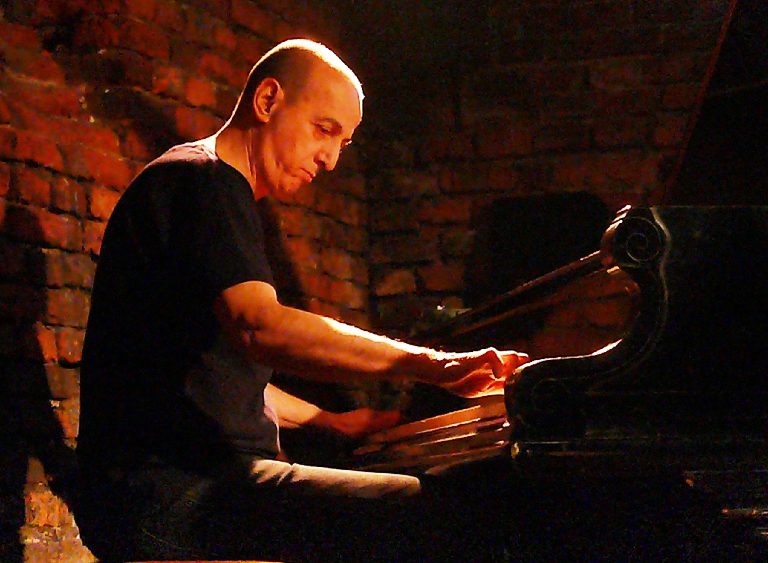 Agusti Fernandez at Alchemia, Krakow in November 2014