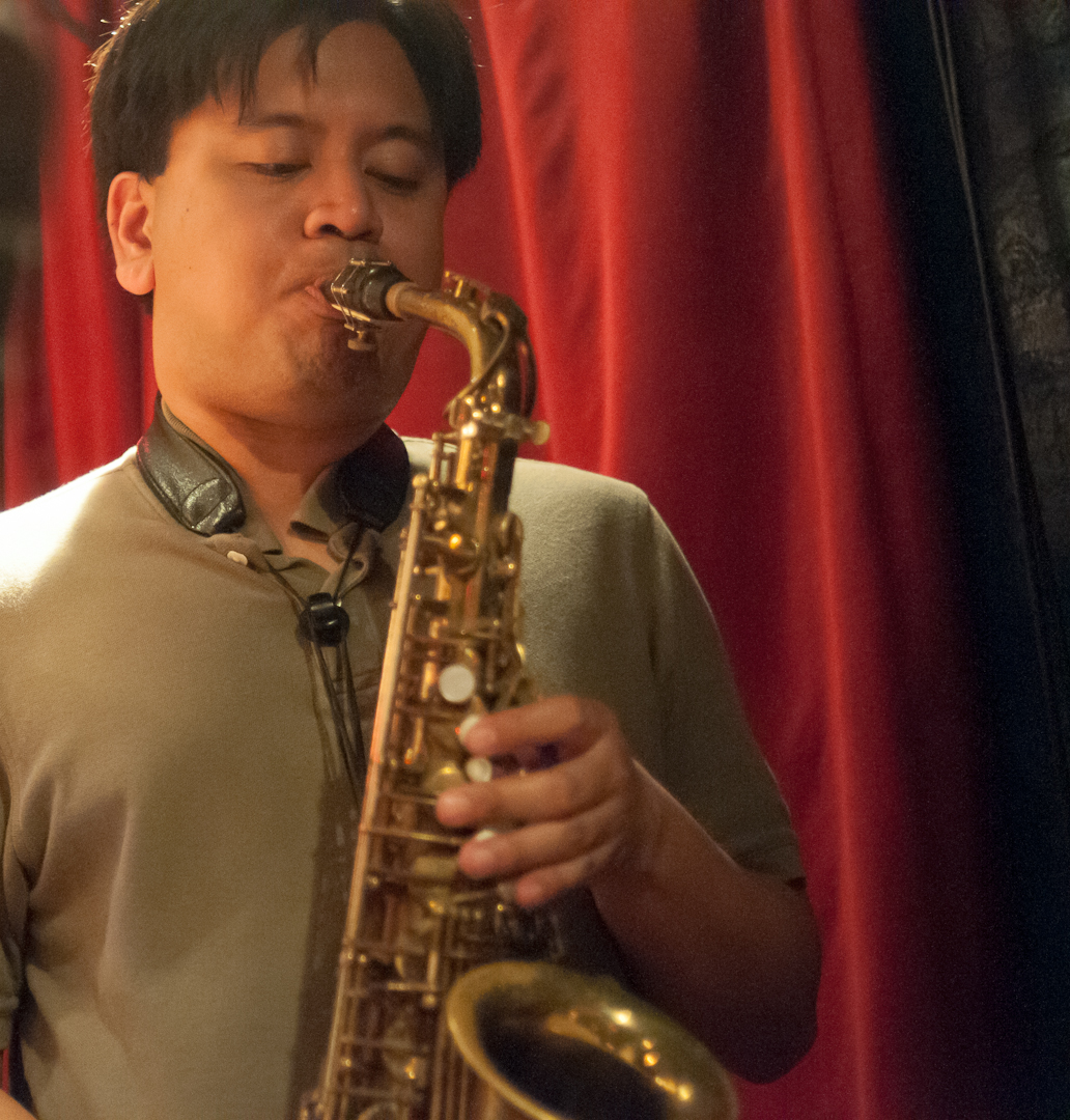 Jon Irabagon with the Mary Halvorson Quintet at the Cornelia Street Cafe