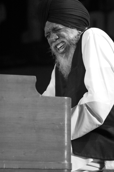 Dr. Lonnie Smith Headlines the 2006 Chicago Jazz Festival with Joey Defrancesco and Band; Chicago 2006